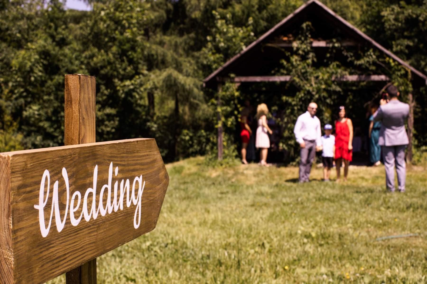 slow wedding, slow wedding w jurcie, buczynowa dolina, slub w plenerze, slub cywilny, plenerowy slub, miedzynarodowy slub, zdjecia slubne, fotograf slubny, wesele w jurcie, jurta, slub w jurcie, art wedding