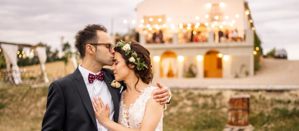 Plenerowy ślub w Villa Love