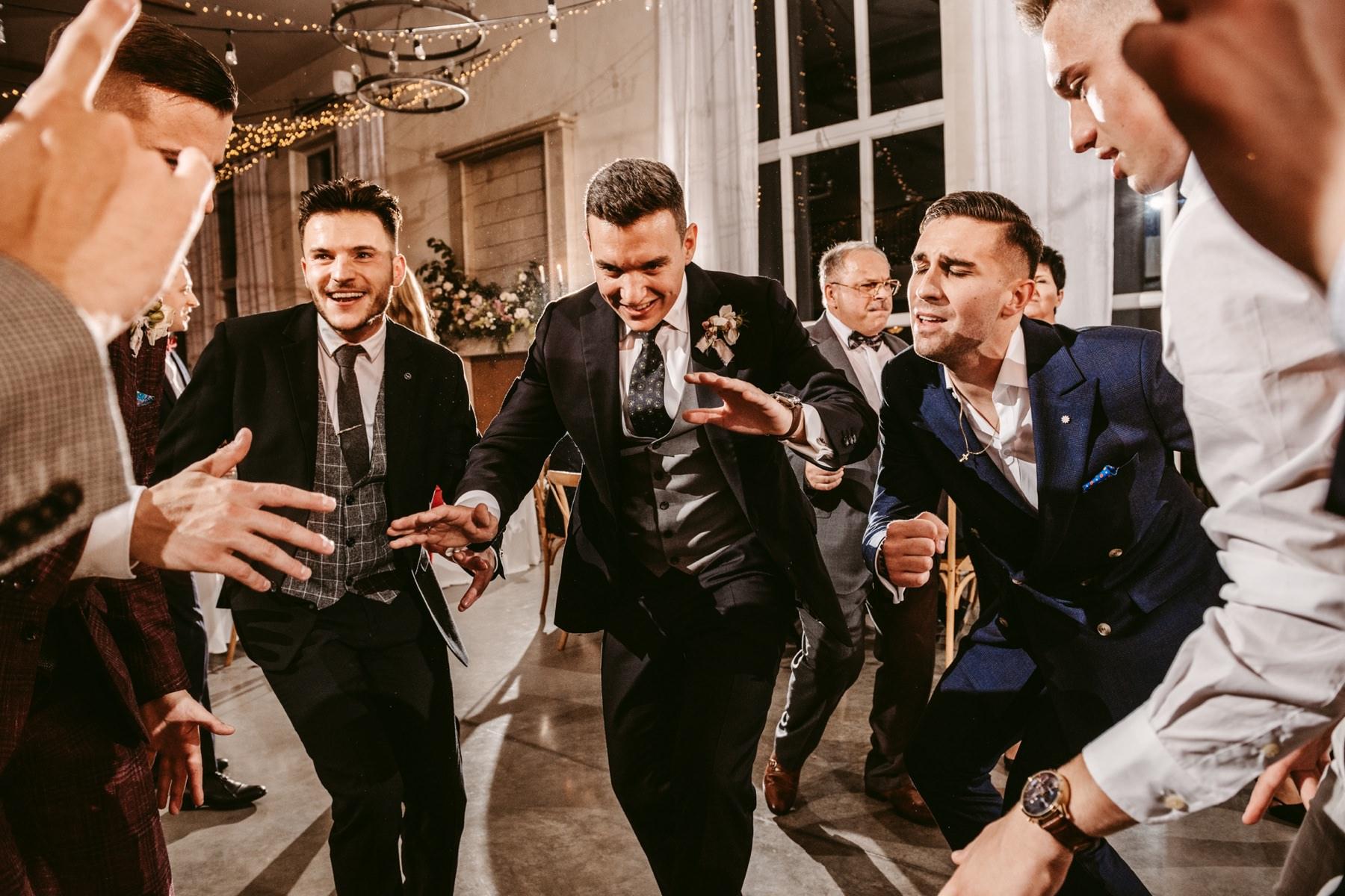 wesele villa love, wesele w villa love, sala weselna izdebnik, najpiekniejsze miejsca na organizacje wesela, fotograf slubny, fotografia slubna, fotograf slubny krakow, zdjecia slubne krakow, villa love, villa love izdebnik, romantyczne wesele w villa love, izdebnik sala weselna, villa love wesele